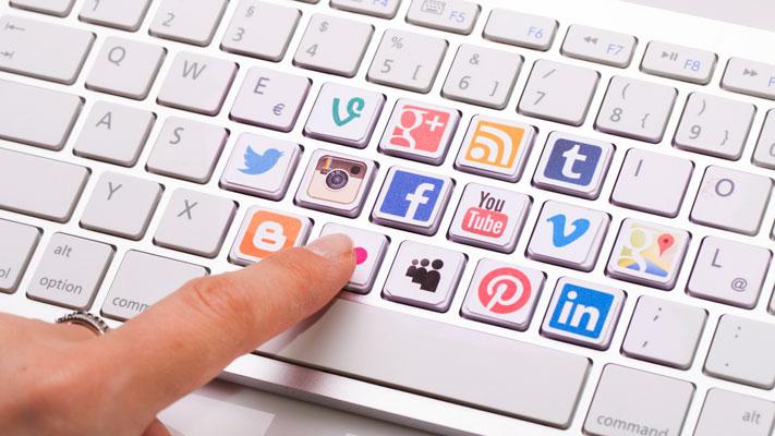 https://friendly.pe/wp-content/uploads/2019/02/Por-que-son-importantes-las-redes-sociales-en-los-negocios-news.jpg